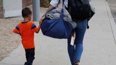 Los hijos de padres separados pueden cambiar de casa una vez por semana