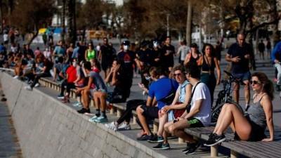 Alarma en España,  millones de personas salieron a pasear y hacer deporte