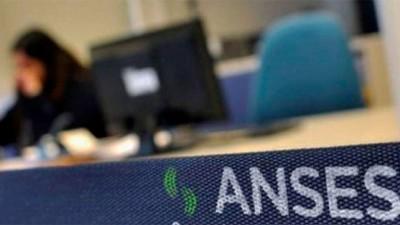 IFE y otros beneficios de ANSES: Quiénes cobran este jueves