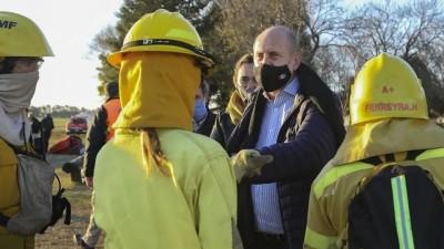 Grupo de Albatros de Prefectura se suma para combatir los incendios en el Delta
