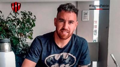 El flamante refuerzo de Patronato, Junior Arias, dio positivo de coronavirus