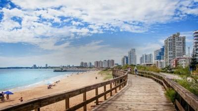 Uruguay exigirá cuatro hisopados a turistas argentinos