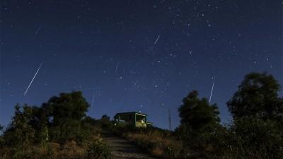 Recomendaciones para ver la lluvia de estrellas Leónidas durante la madrugada