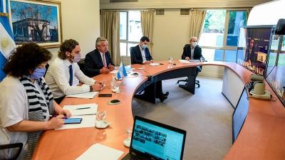 Fernández propuso a los gobernadores restringir la circulación de 23 a 6