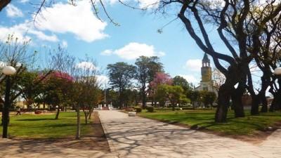 Un municipio del departamento Paraná cierra bares, gimnasios e iglesias