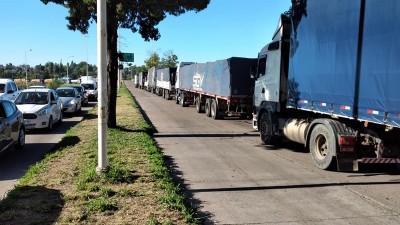 Se endurece la protesta de transportistas en el Túnel Subfluvial