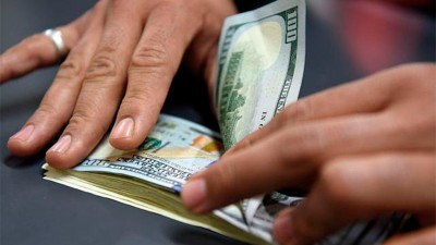 Arregló un encuentro por redes para cambiar divisas y le robaron 8 mil dólares