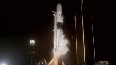SpaceX lanzó al espacio 60 satélites más para su red de internet Starlink