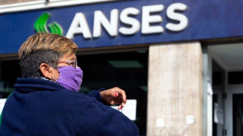 El Gobierno formalizó el pago del bono de $5.000 para jubilados