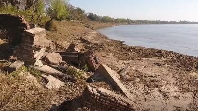 Bajante del Paraná: emergieron los restos de los antiguos muelles de un puerto