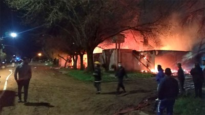 Seis viviendas fueron afectadas por un incendio en la localidad de Maciá