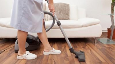 Extra por antigüedad para empleadas domésticas: cómo y desde cuándo se paga