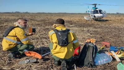 Continúan los operativos de combate de incendios en islas del Delta